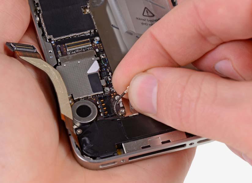 Ремонт шлейфа кнопки питания и сенсора iPhone 4S